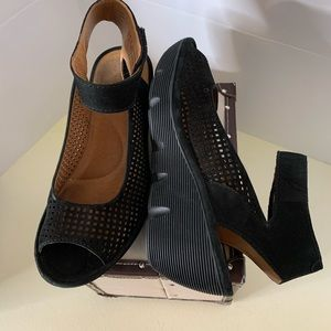 Clarks Peep Toe Perforated Suede Wedge Shoe 8
